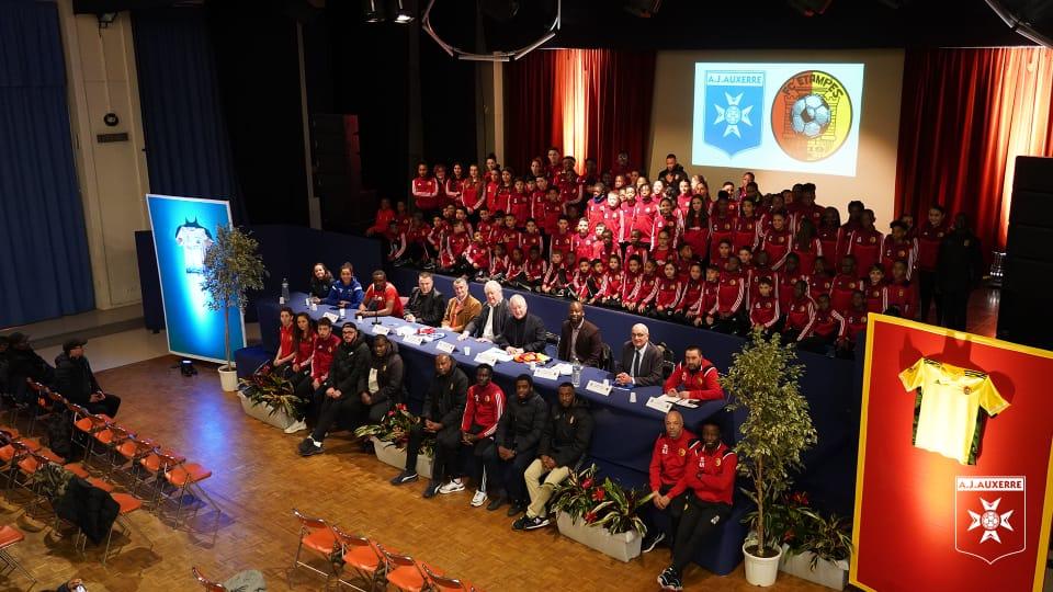 Le FC Etampes et l'AJ Auxerre signent un partenariat historique